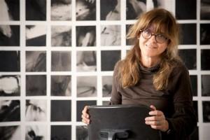Artista grega Virginia Romanou em exposição no Solar do Rosário